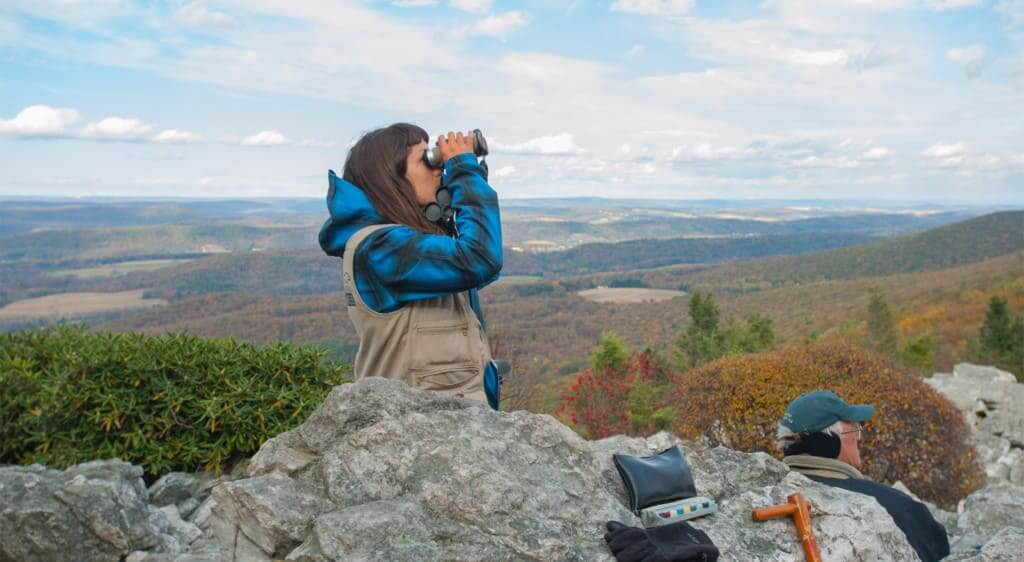 Fall at Hawk Mountain – Girl with binoculars 1920 x 1053